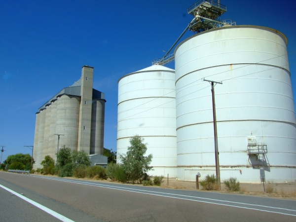 grain silo 01