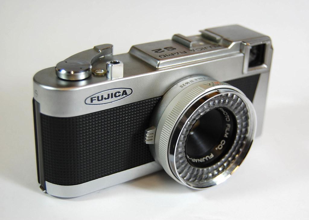 Fujica Rapid S2 on Display (02)