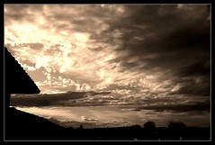 non, je n'habite pas en bord de mer (Agnès Willette (noushka7)) Tags: nature ciel coucherdesoleil sépia gers lislejourdain