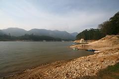Kundala lake (magusita) Tags: india lake kerala april 2009 munnar kundala kundalalake