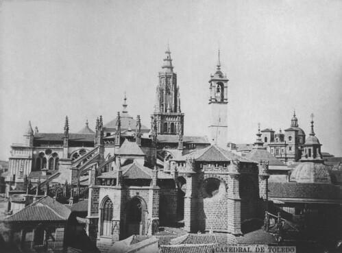 Torre del Reloj y cimborrio de la Catedral de Toledo antes de 1889. Foto de Casiano Alguacil