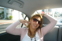 Maio 2009 050 (KMDLH) Tags: sun girl beautiful smile car sunglasses posing civic g maio2009