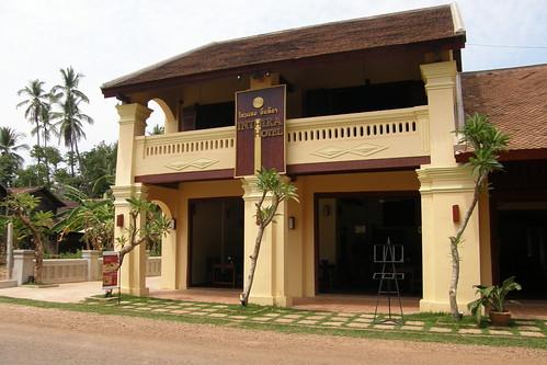073.Champasak當地最高級的旅館與餐廳 (Inthira Hotel) (1)