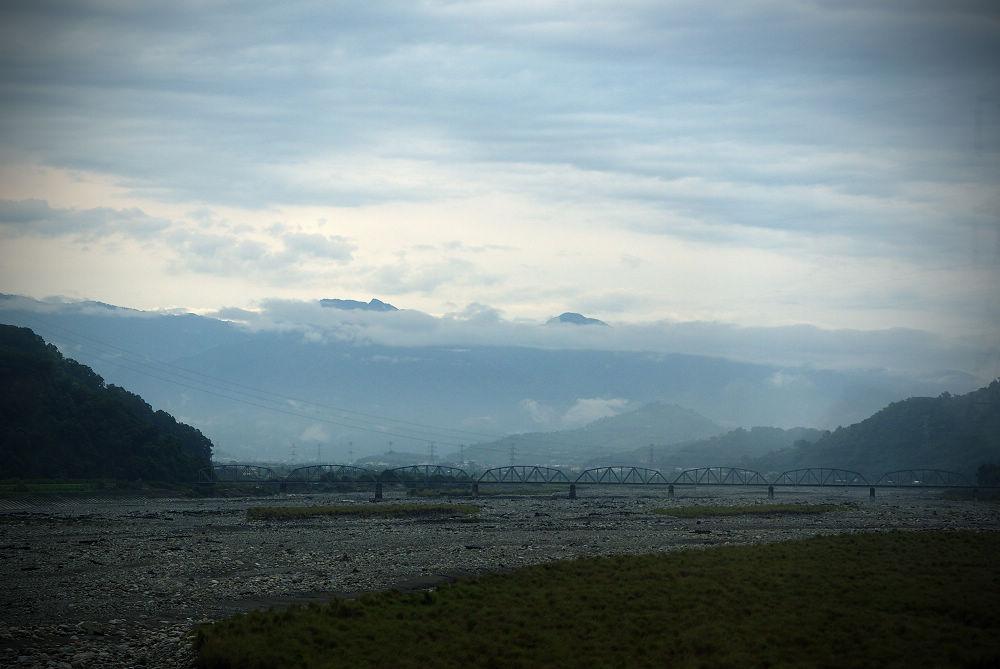 奇萊Day1-01 車過大安溪
