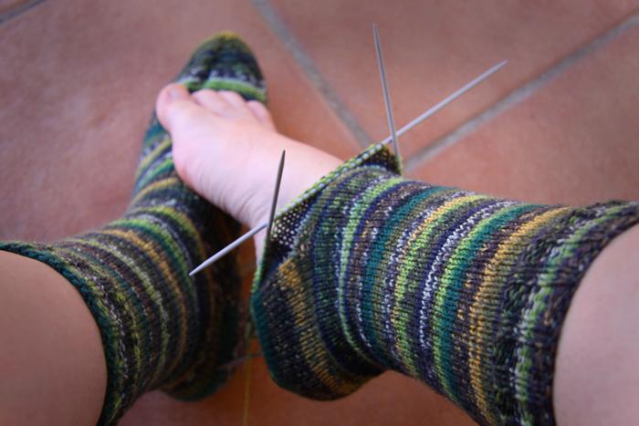 A título provisional: Calcetines y patucos a tutiplé