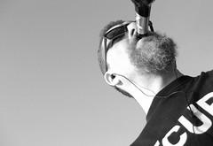 Berlin-Rahnsdorf, April 2009 (Thomas Lautenschlag) Tags: portrait blackandwhite selfportrait male me beer sunglasses beard goatee shades bier selbstportrait sonnenbrille barbe barbu selbstauslser  barbouze thomaslautenschlag