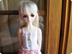 Juicy basic chemise - For MSD  [wearing] (Sugar & Venom) Tags: white handmade lace buttons bjd dollfie msd chemise clotehs