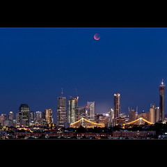 Lunar Eclipse - Totality (Garry - www.visionandimagination.com) Tags: sky moon skyline night landscape dawn eclipse twilight cityscape australia brisbane qld cbd storybridge lunareclipse totallunareclipse eclipse2011
