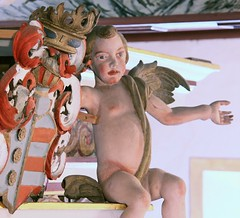 (:Linda:) Tags: people music church angel germany naked thringen wooden coatofarms leute village child interior kirche carving crest thuringia nackt organ sit crown inside engel musik orgel mensch woodenpeople wappen putto bedheim madeofwood kirchenmusik kircheninneres churchinside orgelmusik kircheinnen ausholzgemacht holzgegenstand nonalivepeople moreorlessnaked kircheninnen peoplemadeofwood