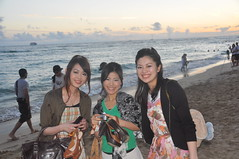 Miss Hiroshima (Ctuna8162) Tags: ocean girls sunset sky beach clouds japanese hawaii evening waves waikiki oahu smiles lovely beautyqueens misshiroshima