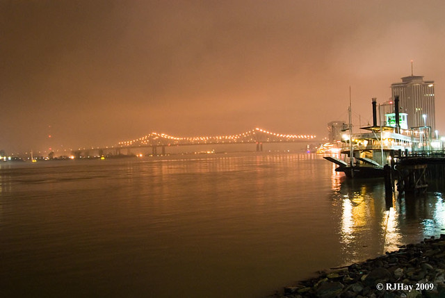 A bit foggy over the Mississippi River - New Orleans