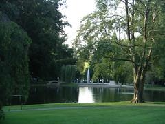 DuPont Gardens (dimaruss34) Tags: bridge trees lake reflection water fountain pennsylvania meadow longwoodgardens dupontgardens hourglasslake