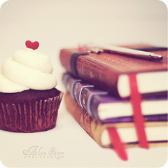 The Romance of Writing. (Aileen ~) Tags: stilllife heart cupcake myfavoritethings softtones teneusnotebooks