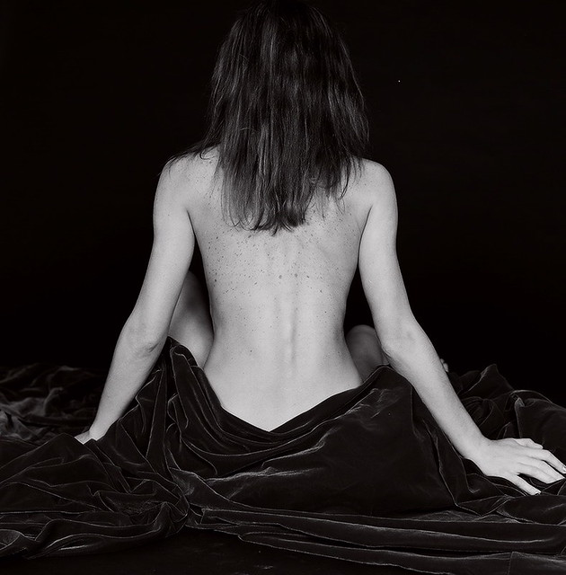 photo photo - Back and velvet by Camilla Douraghy