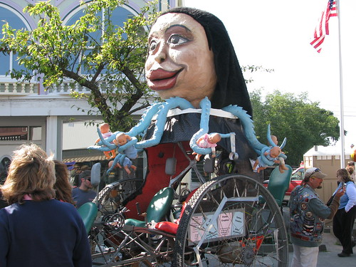 Carroza Octomom Kinetic Sculpture