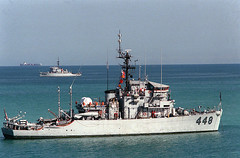 USS Illusive (MSO-448) in the Gulf (johnpusinsky) Tags: iran mines usnavy persiangulf minesweeper pusinsky mso448