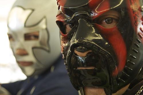 Luchadores colombianos en el lanzamiento de El Luchador