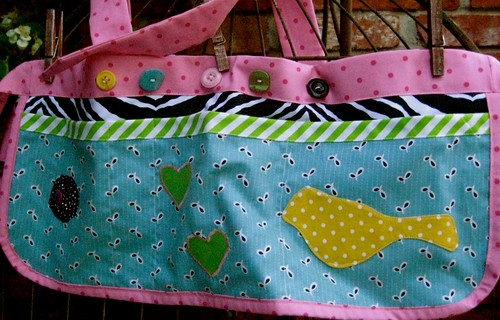 green button vendor/craft apron