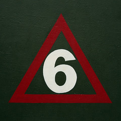 number 6 (Leo Reynolds) Tags: 6 canon eos iso400 f45 number six onedigit number6 53mm 40d hpexif 0017sec grouponedigit numberwhite groupiano xsquarex xratio11x xleol30x