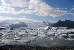 Fjallsrln (.:marcutto:.) Tags: travel viaje blue mountain lake holiday ice water azul lago iceland islandia agua nikon lagoon glacier iceberg laguna montaa 2008 glaciar vacaciones hielo vatnajkull d80 nikond80 fjallsrln