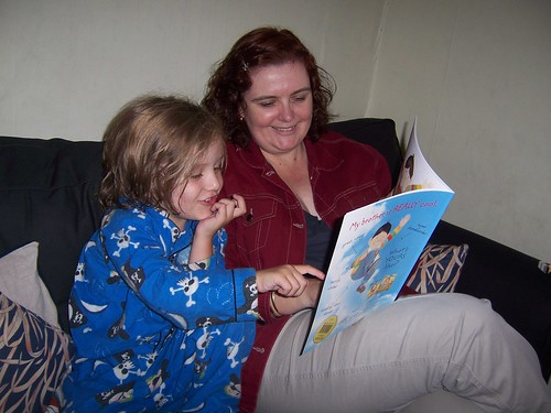 Tracey reads to Cherub_7786