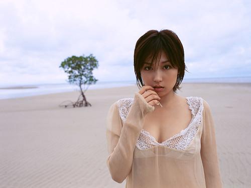 三津谷葉子 画像16