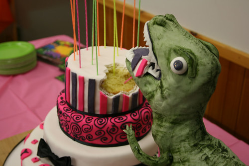 Dinosaur Sweet 16 cake