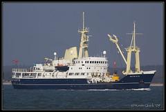 Patricia (leightonian) Tags: uk island boat ship unitedkingdom isleofwight solent gb isle cowes tender buoy wight trinityhouse iow buoyant