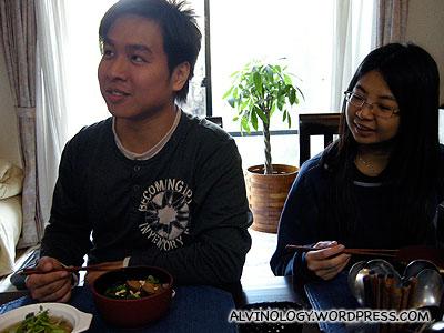 Mark and Meiyen enjoying their lunch