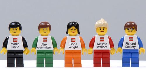 Tarjetas de presentación de los empleados de Lego