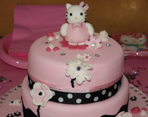 Tremendous Hello Kitty 1St Birthday Cake A Photo On Flickriver Personalised Birthday Cards Veneteletsinfo