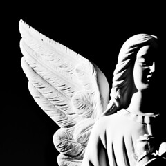 Angel of the Night (Drummer Photo Experience) Tags: madrid light bw blancoynegro luz beauty angel night dark noche nikon shadows belleza blackdiamond oscura d60 oracin sevillalanueva fotografanocturna flickrestrellas quarzoespecial drummerphotoexperience