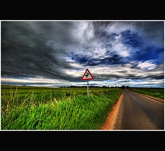 Storm Approaching on Deer Road - Tayside Scotland (Magdalen Green Photography) Tags: road green field rural scotland cool vibrant tayside hdr coolgreen vanishingroad dsc9884 iaingordon stormapproachingondeerroad