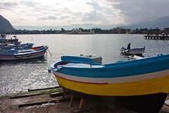 i monti dal mare (Beppe Modica) Tags: sea sky italy nature boats italia mare barche cielo sicily palermo colori luce sicilia sizilien sicilie lifetravel canoneos450ditalia