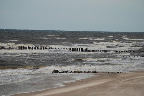 Am Strand von Dziwnówek von Ulli J..