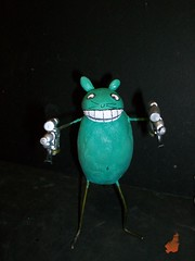 mouse 6 (mikaplexus) Tags: sculpture favorite green art me animals myself toy mouse toys michael wire cartoon mice clay guns adultswim mika cartoons hahaha theman mds fitzgerald yourfriend plexus michaelstewart ireallylike mousefitzgerald mikaplexus 12ouncemouse michaelduanestewart mestuffs