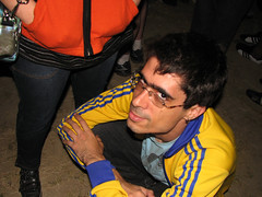 wot? - at his mistress's feet (laconics) Tags: show brazil brasil concert saopaulo sp radiohead krafwerk fmafra justafest chacaradojockey