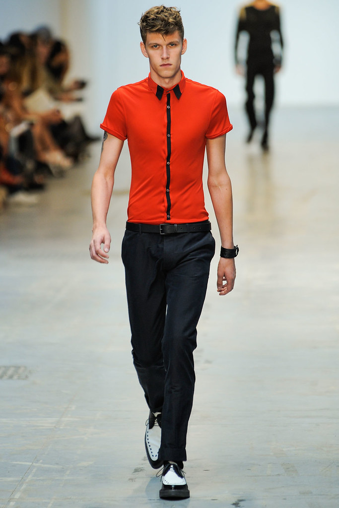 SS12 Milan Costume National Homme024(VOGUEcom)