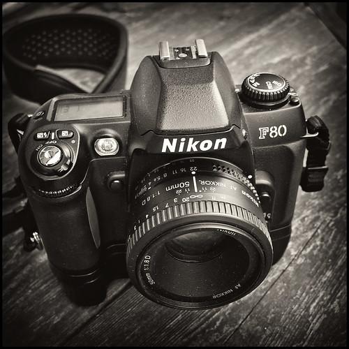 Nikon F80 (by StarbuckGuy)
