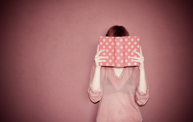 She loves reading  Szeret olvasni by Zitaaa