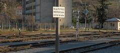 Hoja po progi prepovedana smrtno nevarna (Luigi Rosa) Tags: hoja nova station sign train rail railway slovenia po cartello stazione treno gorizia gorica ferrovia progi guriza prepovedana smrtno nevarna