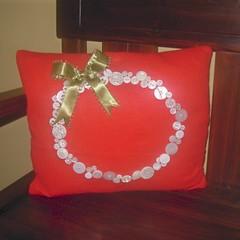 button pillow (pineapplehilldesigns) Tags: buttonwreath christmaspillow buttonpillowbuttons