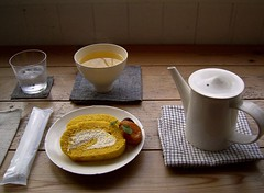 Sour cream roll cake & Tea in Tokyo 2 (sui ()) Tags: cake tokyo cafe healthy natural tea earthy organic lohas rolledcake