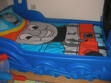 Thomas the Tank Engine Toddler Bed. Age Range: 15 Months to 5 Years.