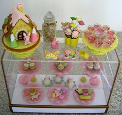 pink yellow counter (deborah is lola) Tags: barbie susie rement miniaturefood fashiondolls dolldiorama