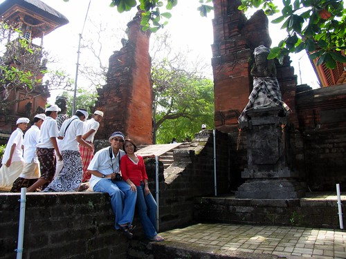before a Saraswati procession at Seminyak