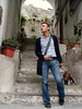 inchiodata al suolo (<NERVO> Luca) Tags: italy dog men guy primavera beagle cane luca italia uomo jeans levis ischia isla 2009 homme bulge isola ragazzo carlotta paquete