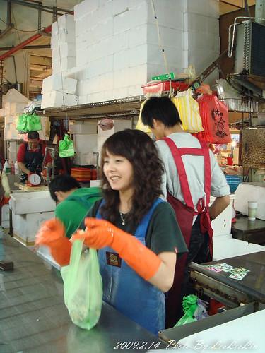 新竹南寮親子遊|南寮觀光漁市~跟著婆婆媽媽採買去