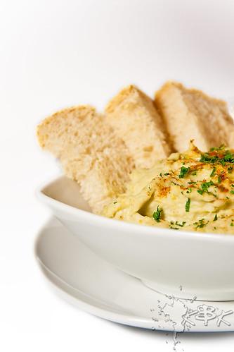 Hummus ai talli d'aglio