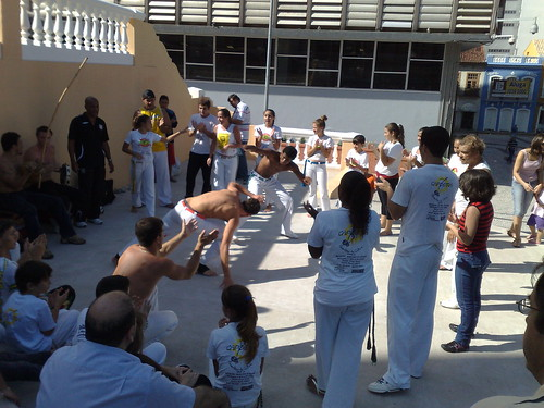 Capoeira under the cathedral